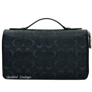 COACH Travel Wallet In Black Signature Leather